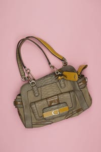 GUESS - faux leather- handtasche  mit logo-plakette - ONE SIZE