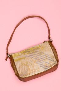carpisa - faux leather-handtasche mit print -