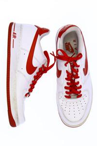 NIKE - low-top sneakers mit logo-stickerei -