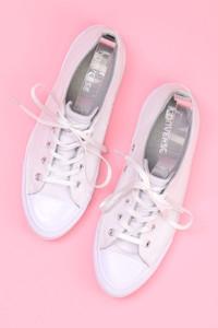 CONVERSE - low-top sneakers mit logo-prägung -