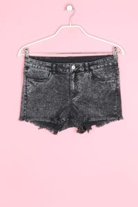 H&M DIVIDED - moonwashed jeans-shorts - D 40