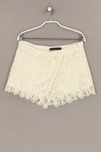 ZARA - spitzen-shorts in wickel-optik - M