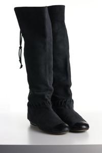 CHANEL - veloursleder- stiefel  mit logo-stickerei  mit schnürung -