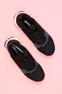 adidas - low-top sneakers mit logo-badge -