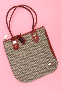 GUESS - Umhänge-Tasche mit Logo-Prägung