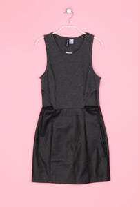 H&M DIVIDED - Faux Leather-Kleid mit Cut-outs - XS